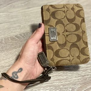 Coach Wristlet Wallet in Classic Brown